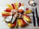 Makrel i tomat m. hytteost og grønt