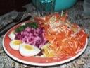 Æg med russisk salat  &  fintsnittede grøntsager