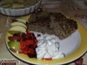 Farspandekage med frugt og flødekartofler